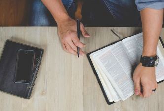 Read 5 reasons Christian teens should study theology